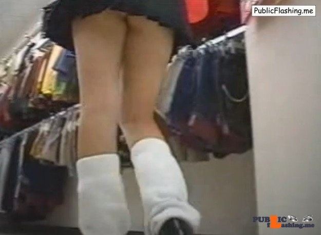 Public upskirt Asian schoolgirl VIDEO