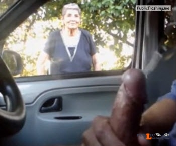 Flashing and cumming for granny from car VIDEO Public Flashing