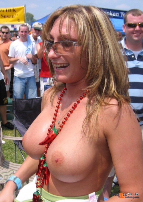 Public flashing photo milfsandmoms: superhotmilfs: https://ift.tt/W72to0 Public Flashing