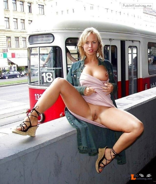 Public flashing photo Photo Public Flashing