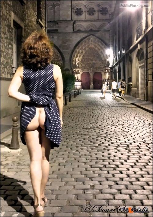 doucesensuelle: Follow us:... flashing in public picture Public Flashing