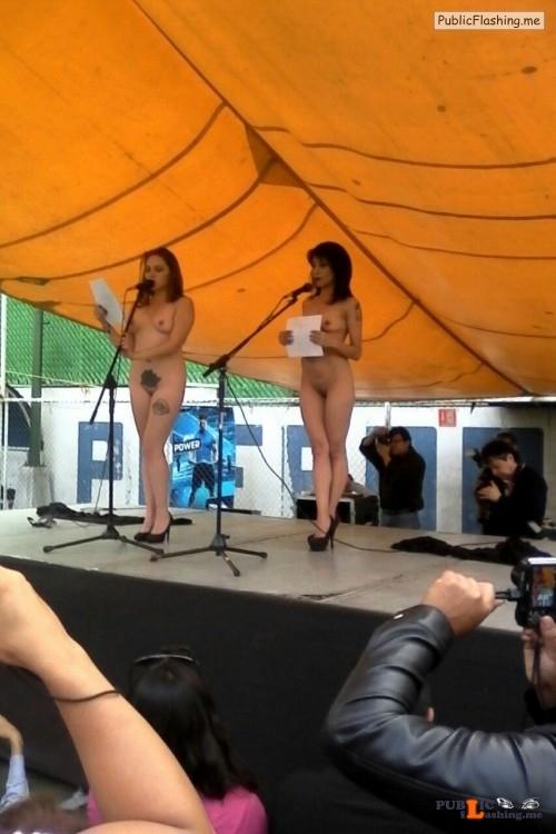 Public nudity photo johthemodel: Hoy en la primera feria cultural Morvoz. Leyendo... Public Flashing