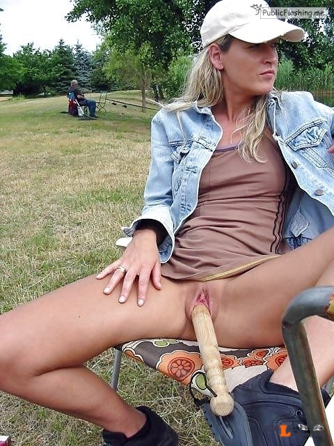 Public flashing photo outside only:folow & reblog http://ift.tt/1IyomH0... Public Flashing