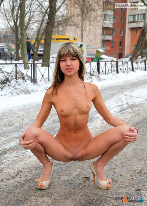 Public nudity photo p s s:Now that's a perfect slut squat Follow me for more public... Public Flashing