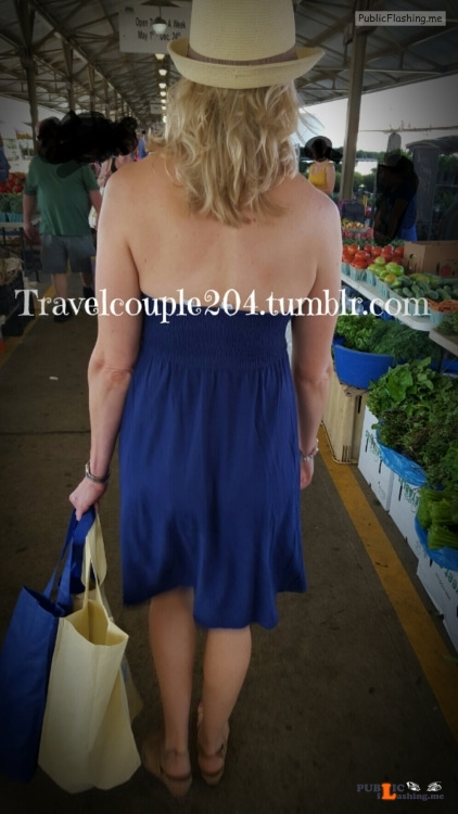 No panties travelcouple204: It is so blasted cold here today! Mrs. Travel... pantiesless Public Flashing