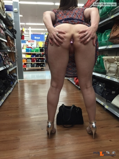 No panties sluttypublic2: sluttypublic2 pantiesless Public Flashing