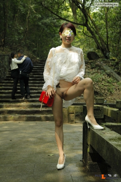 molly likes to show body: 从化白石山绿谷 flashing in public picture Public Flashing