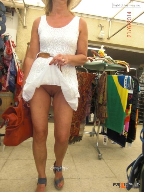 No panties Photo pantiesless Public Flashing