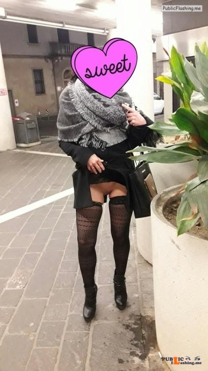 No panties almadiva: In giro a far compere… ??????? Commando saturday pantiesless Public Flashing