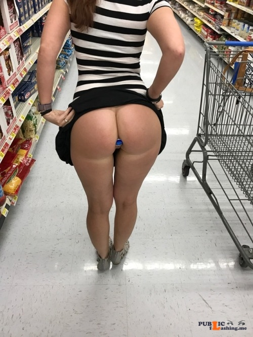 Public flashing photo lovely sexy girl: lovely sexy girl: How I went grocery shopping... Public Flashing