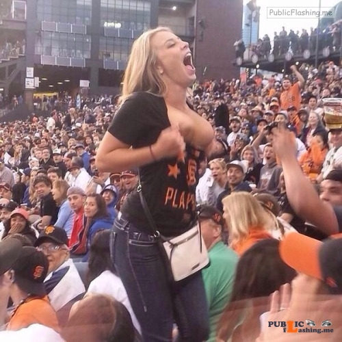 Exposed in public Go Giants!… Public Flashing