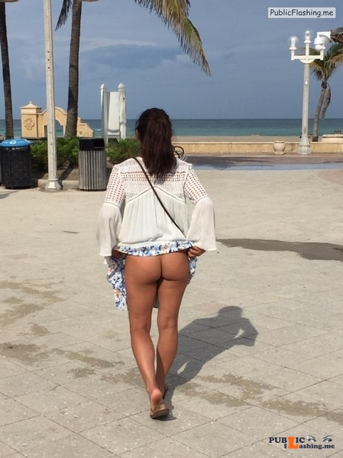 No panties Thanks for the submission @naughty253 pantiesless Public Flashing