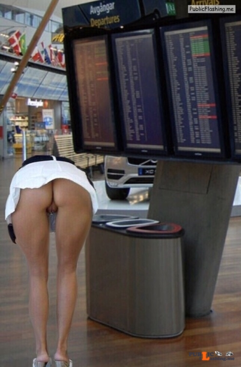 No panties stockholmcoupleblog: Farstagirl, on my way to Greece have a... pantiesless Public Flashing