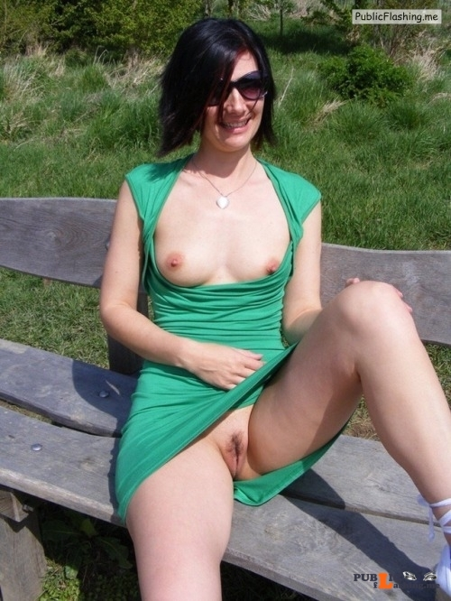 No panties Great view @sluttyjoanneuk pantiesless Public Flashing