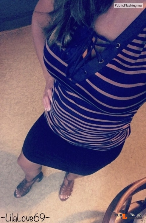 No panties lilalove69: Thong off, skirt on! pantiesless Public Flashing