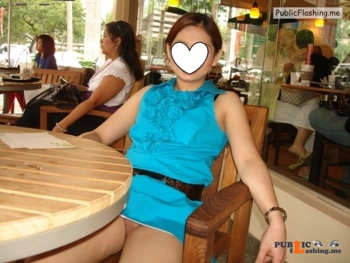 No panties dimplesc14: Coffee exposure pantiesless Public Flashing
