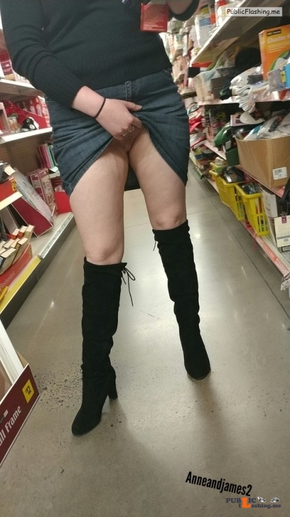 No panties anneandjames2: vandalsginger: Hmm, shopping is fun. See... pantiesless Public Flashing