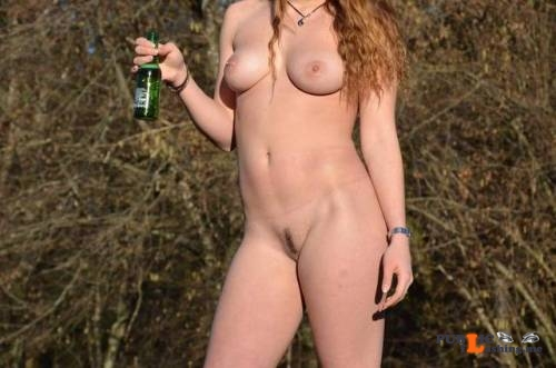 Outdoor nude selfshot Thx to @sexygirlfriend9 for the submissions! Public Flashing