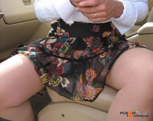 No panties dicmano: bi tami bi: Italian Friend:... pantiesless Public Flashing