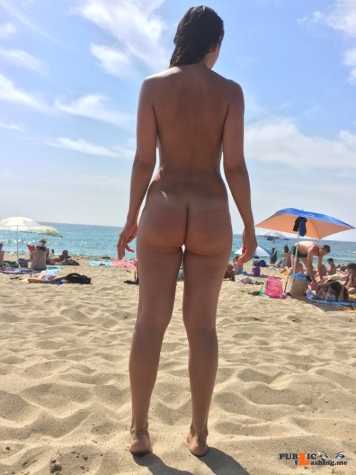 Public nudity photo nudist voyeurs:via  anahotwife.tumblr.com Follow me for more... Public Flashing