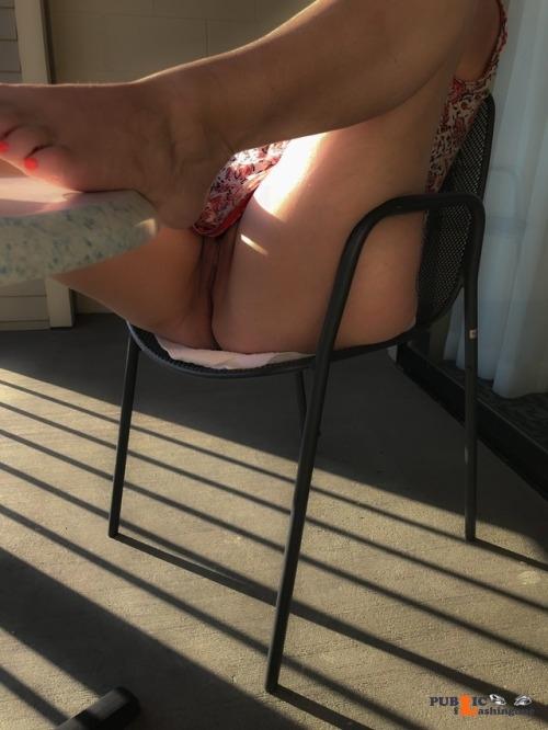 No panties secretthings12345: Oops. No panties. 😈 Way to go! pantiesless Public Flashing