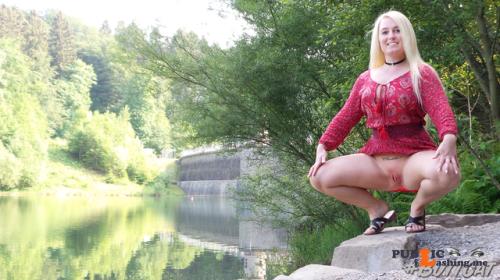 No panties mastersbuttcat: #buttcat exposing herself at the lake. pantiesless Public Flashing