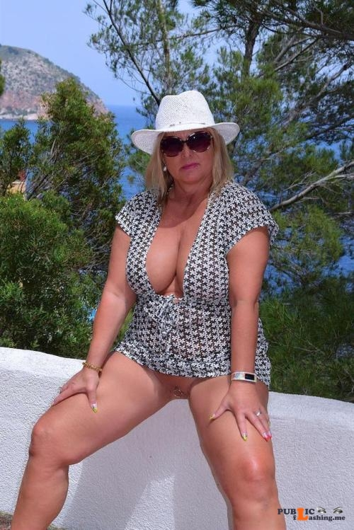 No panties nudechrissy: posing in Mallorca pantiesless Public Flashing