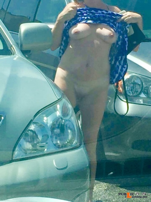 No panties lalamelange: Random parking lot flash pantiesless Public Flashing