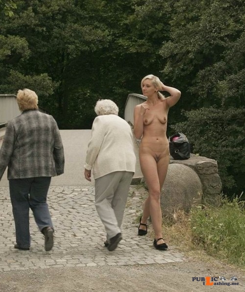 Public nudity photo xposedzone: Submit to Xposedzone! 19000 followers want to see... Public Flashing