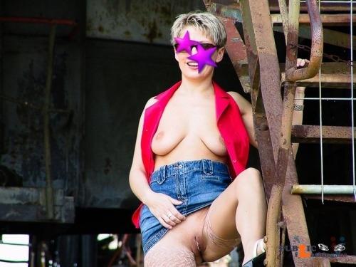 No panties aingala: https://ift.tt/28QAaYk pantiesless Public Flashing