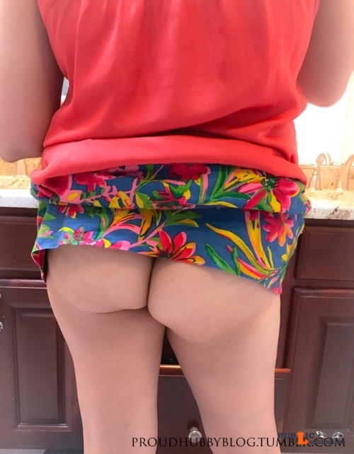 No panties proudhubbyblog: A few men in the office will get to have a nice... pantiesless Public Flashing