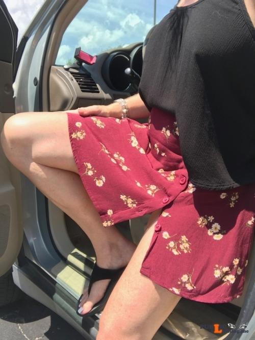No panties lalamelange: Short swingy skirt + no panties + breezy day = FUN... pantiesless Public Flashing