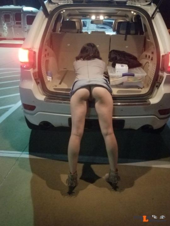 No panties wat3way: pantiesless Public Flashing