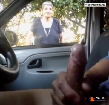 Flashing and cumming for granny from car VIDEO