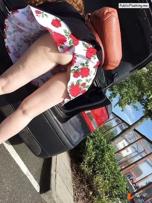 Ass flashing everwatchful: Wow…I WAS admiring those large flowers on her…