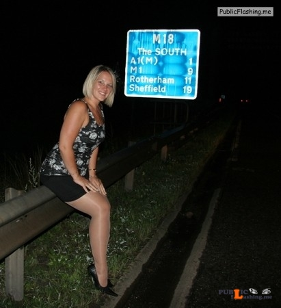 Ass flashing vscissore: would you like even more exhibitionists images? Then... Public Flashing
