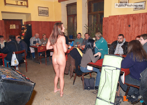 Public nudity photo thelifeoftami: Again, that weird feeling of being the only naked... Public Flashing