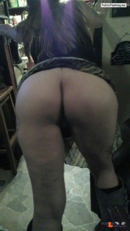 No panties pssheart: Such a phat ass… But hubby loves it? pantiesless