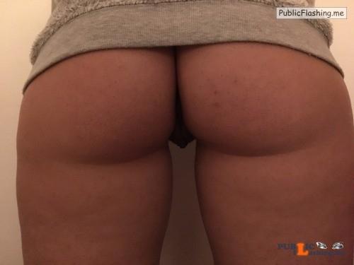 No panties Commando @bvanedis pantiesless Public Flashing