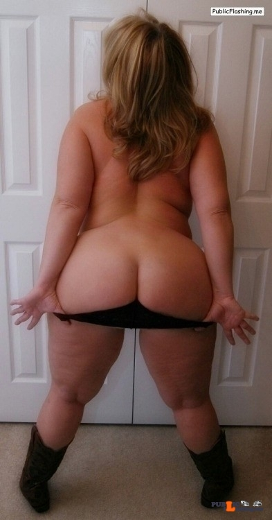 Ass flashing funwiththewifeyblog: Here is a booty pic for my awesome…