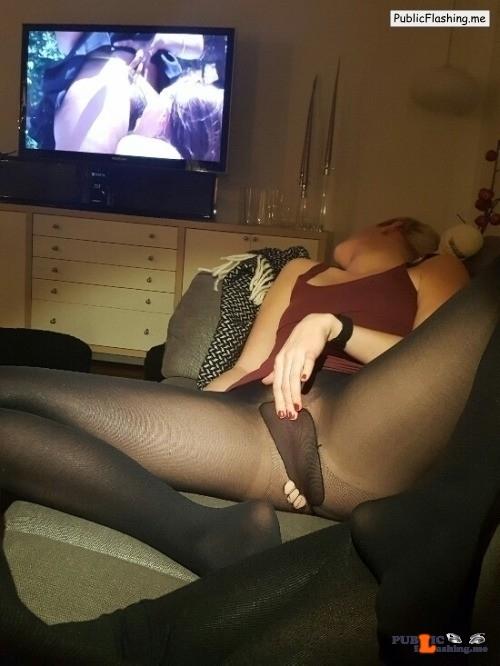Ass flashing watchingyouwatchingporn: sic-et-dixi:If you can; watch porn…