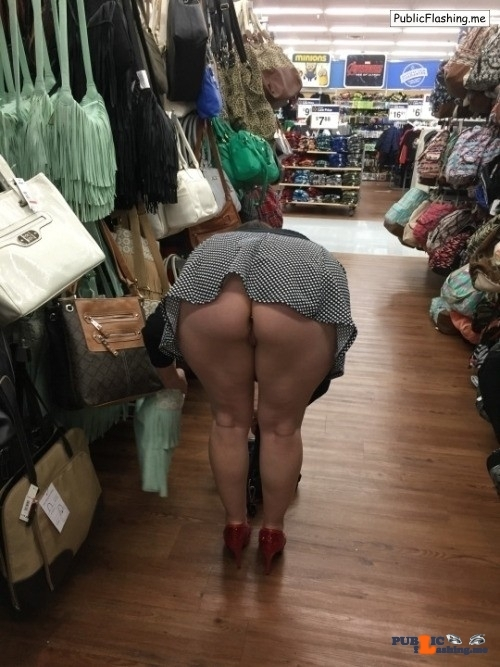 Public Flashing Photo Feed : Ass flashing Photo