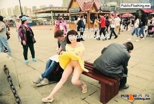 Public Flashing Photo Feed : onenightinbj: sarwono88:Flashing in crowded. 她在丛中笑 佳佳外拍 flashing in public picture
