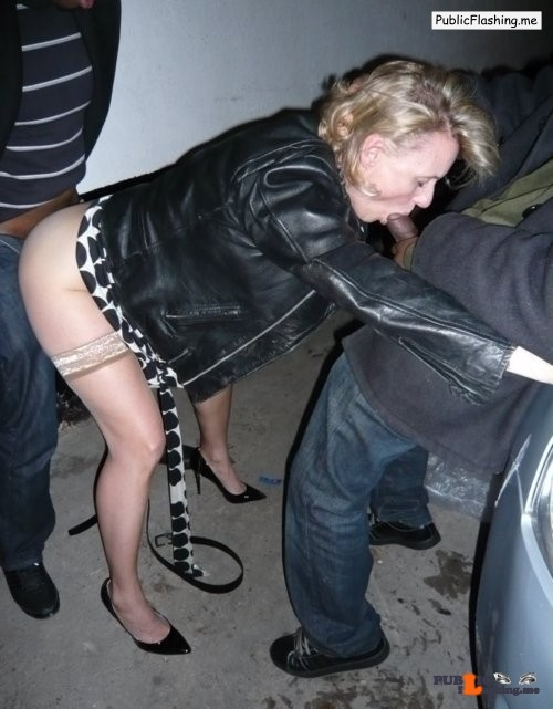 Ass flashing strangers4sex: Reblog for more dogging sluts??…