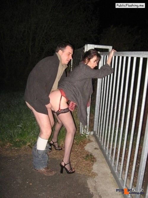 Ass flashing strangers4sex: Reblog if you want to go dogging??…