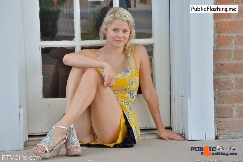 FTV girls upskirt Pretty Mindy from FTV Girls lets us peek and see her naked pussy…