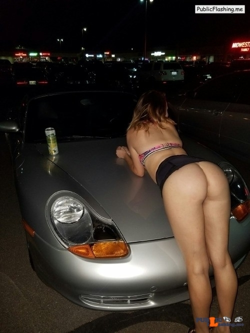 No panties xmaggiiexx:Public flash on a strangers car ? Is this you? pantiesless