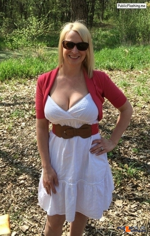 Ass flashing ukmilfsecrets: Secret MILF from  Burgh le Marsh seeking a shag…