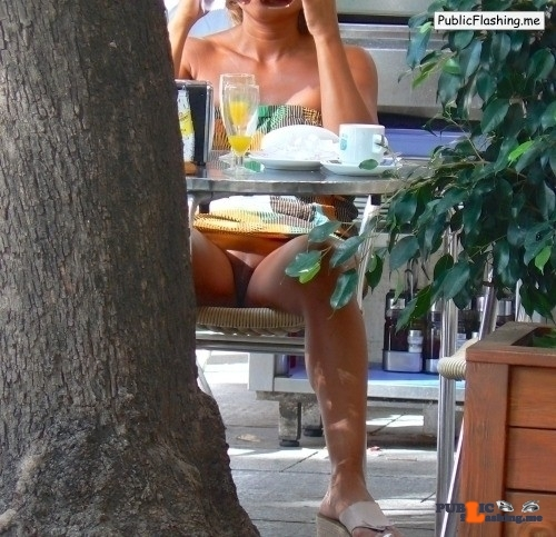 Public Flashing Photo Feed : No panties Photo pantiesless