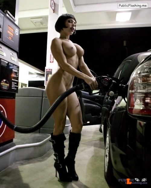 weshowskin: FILL ER' UP Public Flashing